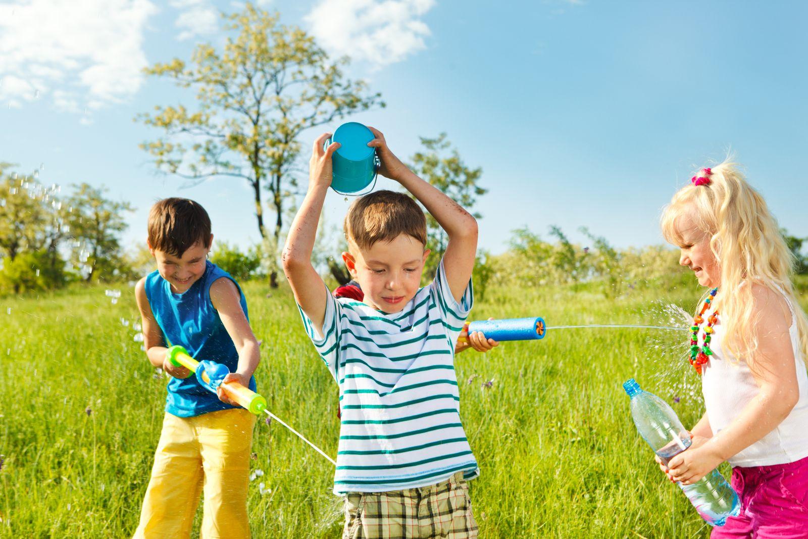 Картинки играющие дети летом